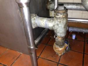 湖西市店舗 排水管腐食水漏れ修理