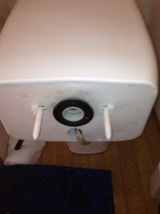富士市五貫島 トイレ水漏れ修理