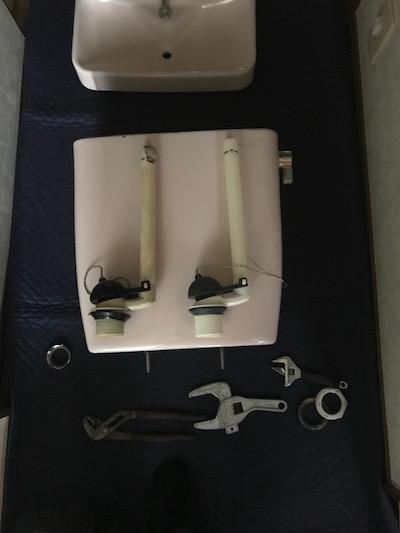 静岡市清水区三保  トイレタンク部品交換