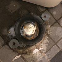 富士市中野 洋式トイレ脱着作業