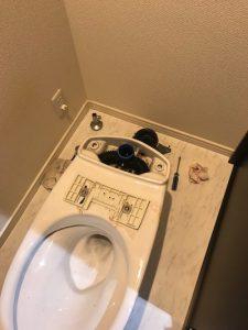 菊川市赤土 洋式トイレ脱着作業