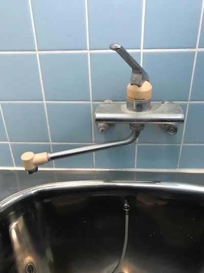 静岡市清水区蒲原東  浴室蛇口交換作業