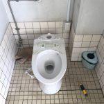 静岡市清水区入江洋式トイレ脱着作業
