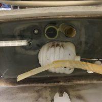 富士市伝法 タンク内部品交換作業